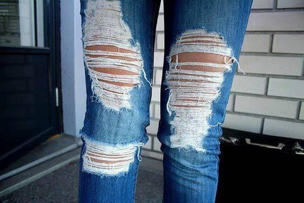 сделать дырки на джинсах