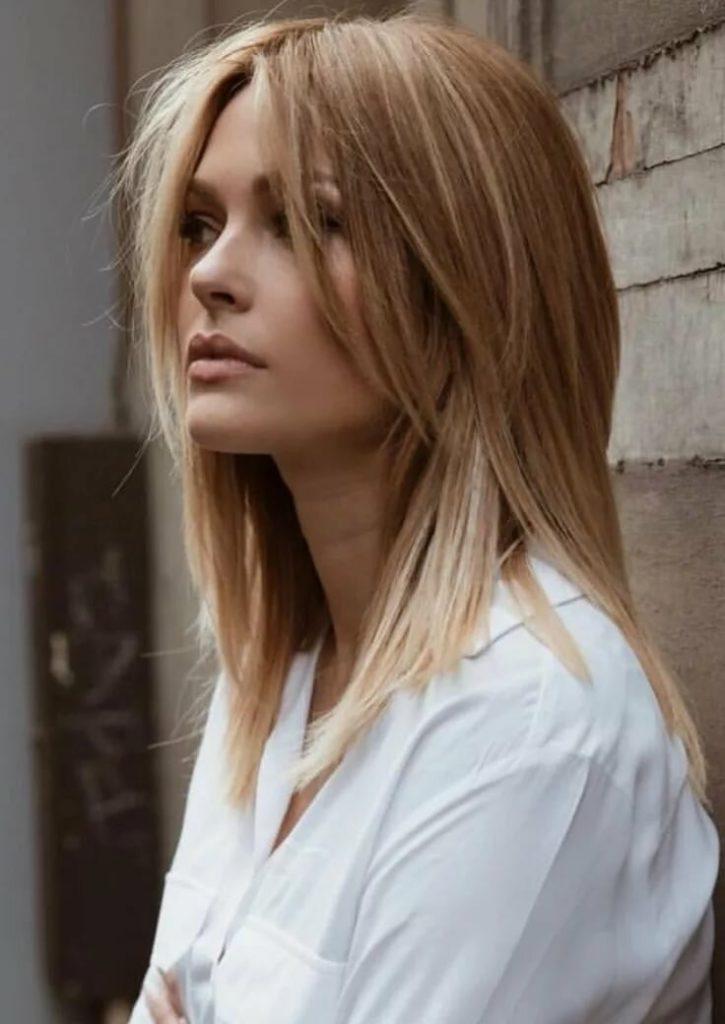 Каскад на средние волосы сбоку