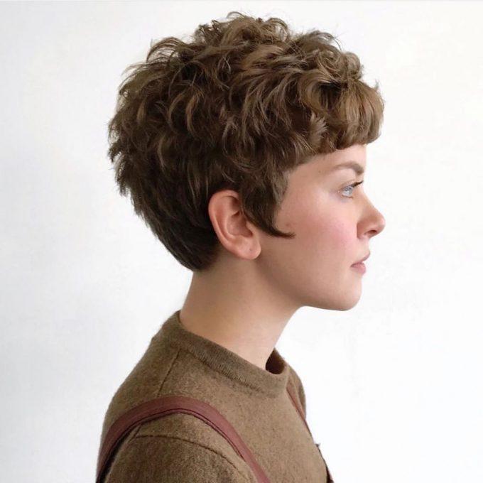 Стрижка каскад на коротких волосах